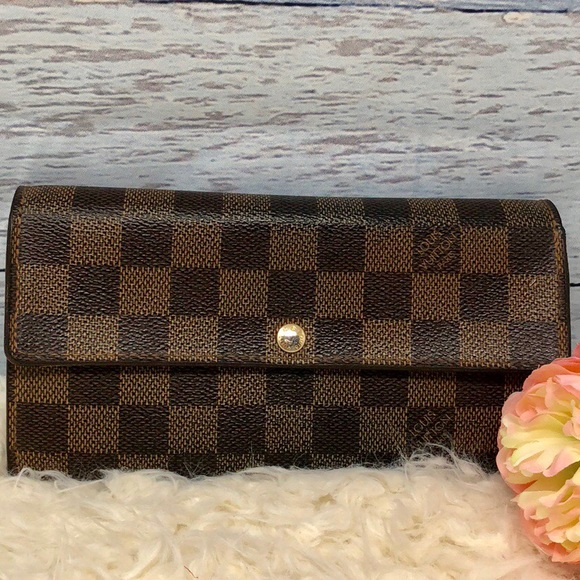 Louis Vuitton Handbags - Authentic Louis Vuitton Darmier Sarah Long Wallet